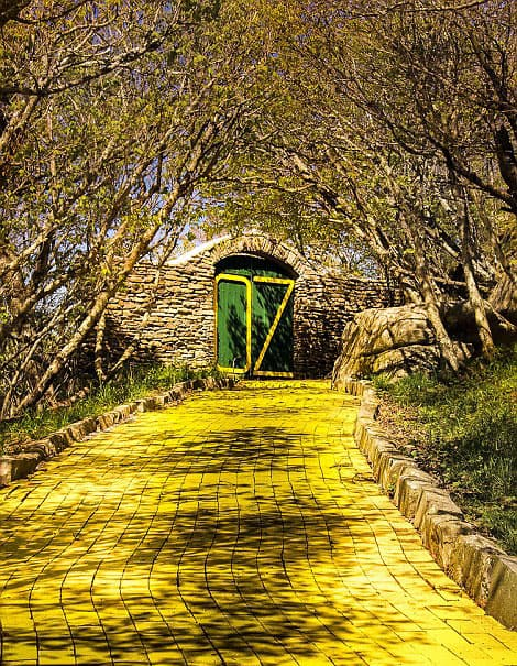 yellow brick road to Oz